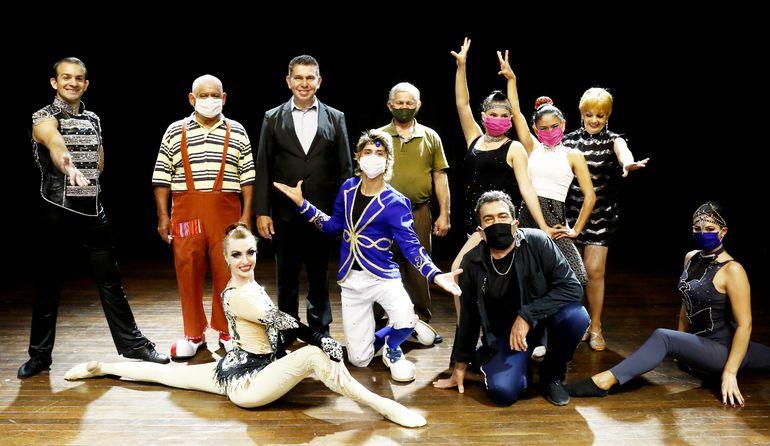 El Circo Latino de Paraguarí desplegará un colorido show lleno de humor y acrobacias.