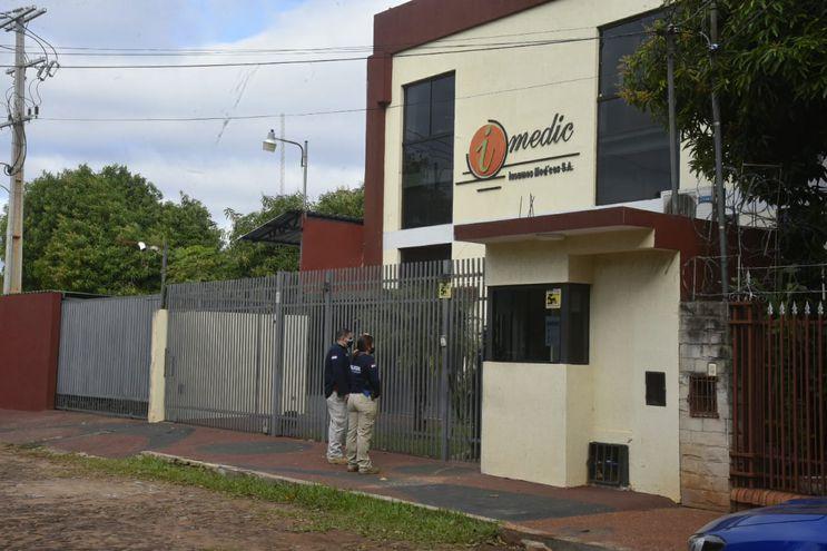 El operativo se inició este sábado cerca de las 14:00, en el local de Imedic ubicado en Fernando de la Mora.
