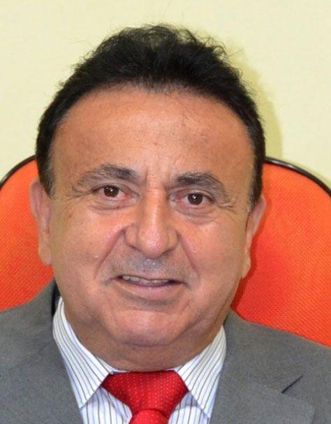 Luciano Cañete (ANR, Añetete), intendente de Carapeguá, imputado por falsificación y denunciado por retener sueldos.