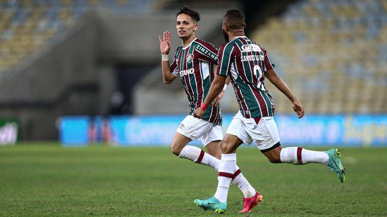Gabriel Teixeira festeja su gol para Fluminense.