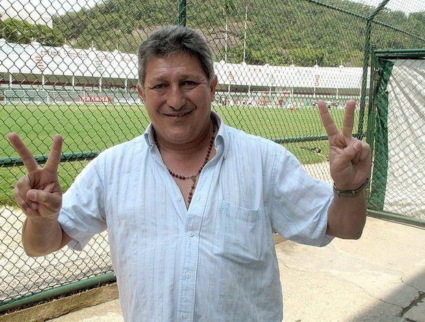 Julio César Romero.
