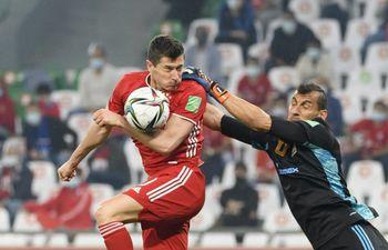 Robert Lewandowski y una mano previa al tanto que le coronó al Bayern Múnich como el mejor del Mundial de Clubes 2020.