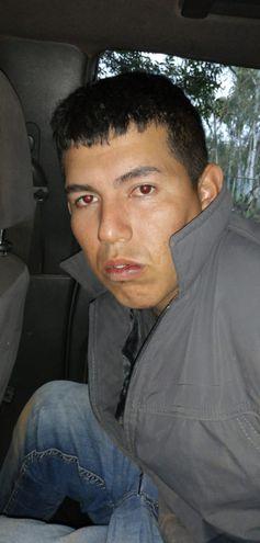 Uno de los delincuentes fue capturado, tras caer herido por dos disparos, que impactaron uno en cada pie.