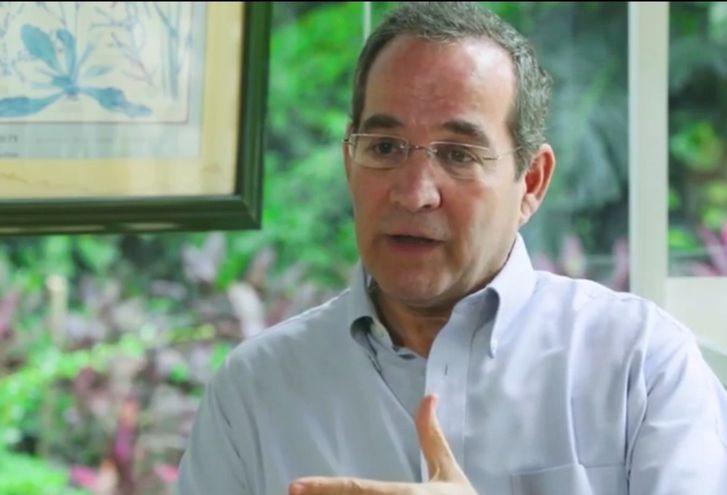 """""""El Gobierno mide pobreza a G. 600.000  por persona por mes en el hogar"""", dice Martín Burt."""