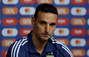 Lionel Scaloni no confirmó el equipo de Argentina para enfrentar a Brasil.