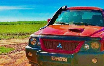 Camioneta del docente secuestrado en Canindeyú.