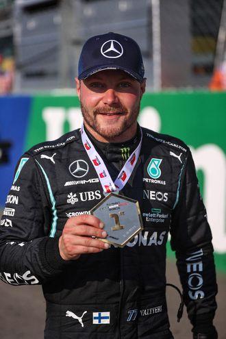 El piloto finlandés de Mercedes, Valtteri Bottas, se impuso ayer en la carrera esprint del Gran Premio de Monza (AFP).