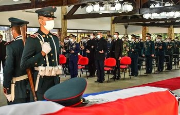 Misa en el Comando del Ejército, por los militares asesinados ayer en el norte del país.