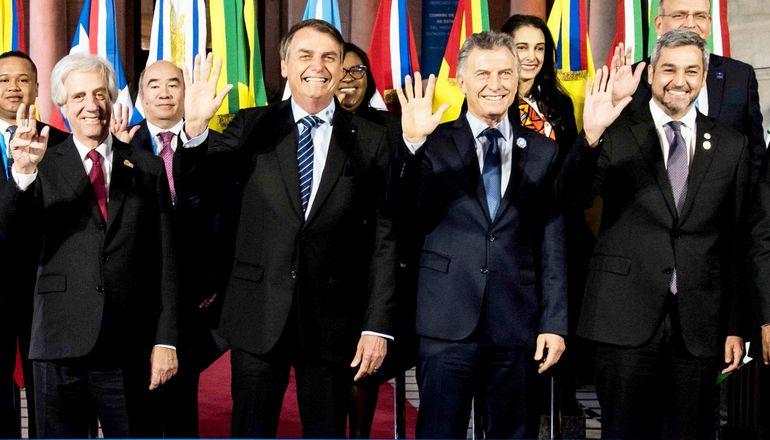 Los jefes de Estado de países del Mercosur: de Uruguay, Tabaré Vázquez; de Brasil, Jair Bolsonaro; de Argentina, Mauricio Macri; y de Paraguay, Mario Abdo Benítez.