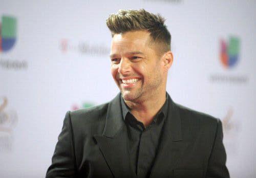"""Ricky Martin anuncia una nueva gira, """"Movimiento"""", que se iniciará en Puerto Rico."""
