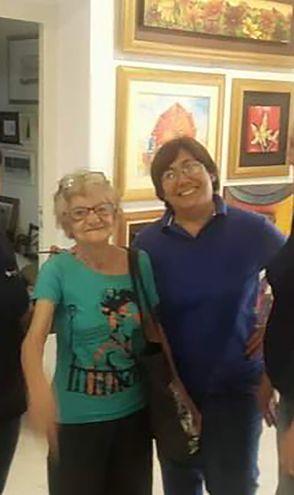Ángela y Laura en la Galería Exaedro.