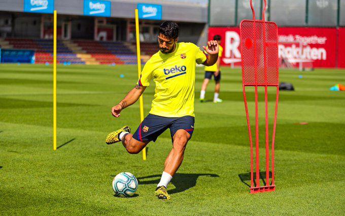 Suárez dejó el Barcelona y jugará por el Atlético Madrid.