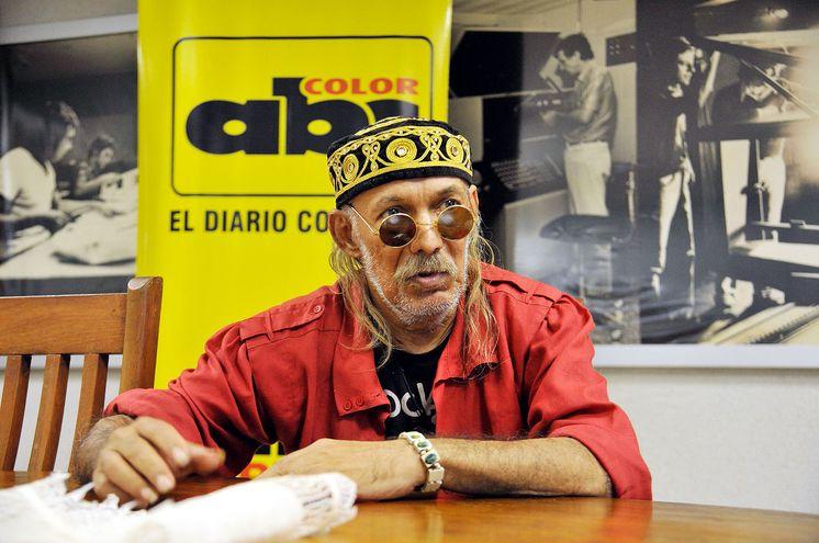 Alci Rock, Alcides Alfonso Parodi, fue homenajeado recientemente, en el Café del Teatro Municipal. Cumplió 55 años de trayectoria en la música.