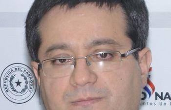 humberto-peralta-ministro-de-la-funcion-publica--231108000000-1703283.jpg