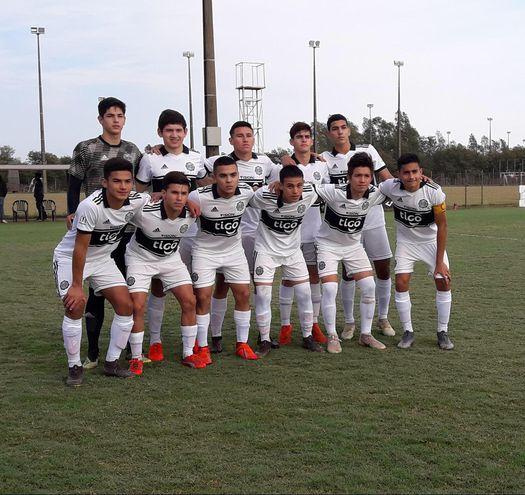 Equipo de la Sub 16 de Olimpia.